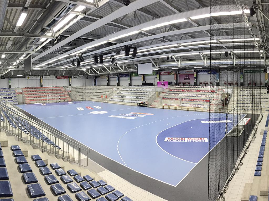 Westpress Arena Hamm - Im Arenabereich ist die Handballfläche aufgebaut.